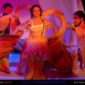 Espetáculo Das Flor em única apresentação no Theatro São Pedro